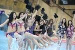 Nữ sinh Trung Quốc mặc bikini chụp ảnh tốt nghiệp gây sốc