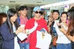 Sơn Tùng M-TP thích thú khi nhận quà đặc biệt từ fan Nha Trang