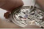 Video: Cận cảnh quy trình lắp ráp đồng hồ đeo tay siêu tinh vi