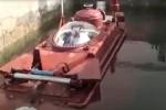 Thử nghiệm thành công tàu ngầm Hoàng Sa lặn nổi trong bể nước