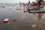 Ảnh: Kinh hoàng cảnh biển Cồn Vành ngập rác vì sự vô ý thức