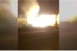 Clip: Kinh hoàng máy phát điện cháy nổ như pháo hoa