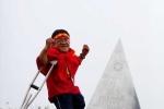 Sơn Lâm và chiếc nạng chinh phục đỉnh Fansipan thế nào?