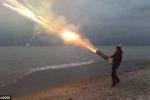 Clip: Xem pháo mini 7 nòng tự chế nã 1001 loạt đạn trong 45 giây