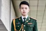 Chân dung 'hot boy quân phục' nổi tiếng dân mạng năm 2015
