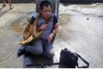 Trộm chó bị dân đánh dã man suốt 9 tiếng, cảnh sát đến giải cứu cũng bị tấn công