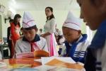 Tặng 10 thư viện cho học sinh nghèo