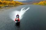 Video: 'Bay' trên mặt nước bằng môtô trượt tuyết phá kỷ lục thế giới