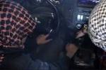 Chiến binh nhí IS hôn tạm biệt cha trước khi ôm bom nổ tan xác