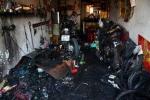 Đốt rác, lửa bùng lên thiêu rụi nhiều nhà dân