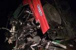 Xe khách tông xe tải trên cao tốc Pháp Vân, 19 người thương vong