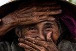 Video: Đến Hội An gặp gỡ bà cụ đẹp nhất Việt Nam