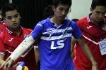 Ngôi sao tuyển Futsal Việt Nam gãy tay trên sàn đấu