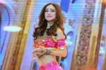 'Cô dâu 8 tuổi' Jennifer Phạm khoe eo thon múa bụng sexy