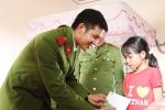 Chiến sỹ cảnh sát mang tình thương đến cô học trò nghèo