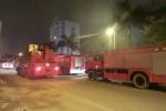 Cháy chung cư lúc nửa đêm, hàng trăm cư dân hoảng loạn