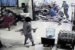 Video: Nổ súng bắt giữ người tâm thần tại TP.HCM