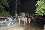 Nhà 5 tầng đổ sập, cả gia đình bị vùi lấp, 3 người chết thảm