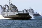 Xuồng đổ bộ quái vật khổng lồ của quân đội Nga 'khạc' đạn