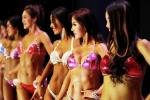 Người mẫu Trung Quốc khoe cơ thể săn chắc, hấp dẫn