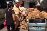 CSGT Hà Nội truy đuổi xe biển xanh, gắn còi ưu tiên chở gỗ lậu như phim