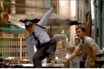 Video: Cuộc rượt đuổi kịch tính như phim hành động và cái kết 'lãng xẹt'