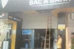 Bảo vệ ngân hàng Bắc Á bị cửa cuốn kẹp chết