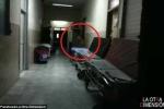 Clip 'bóng ma' bác sĩ quẩn quanh nơi hành lang bệnh viện