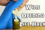 Clip: Cách mở chai rượu vang chỉ với một chiếc chìa khóa
