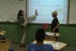 Gặp cô giáo dạy Toán không tay, viết bảng bằng chân