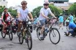 Đại sứ Mỹ tại Việt Nam đi xe đạp kêu gọi bảo vệ tê giác