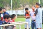 Bầu Đức nghiêm cấm U19 Việt Nam 'đá láo'