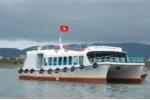 TP.HCM: Chìm tàu khách chở 30 người, 8 người mất tích