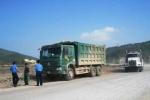 Bị tố 'bảo kê' xe quá tải, thanh tra giao thông bị đình chỉ công tác