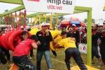 Quyền Linh thấy hạnh phúc khi tham gia xây cầu cho dân nghèo