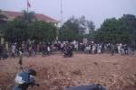 Phó bí thư huyện ủy Sóc Sơn bị nhốt tại trụ sở xã