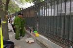 Thi thể thai nhi bị bỏ rơi trước cổng bến xe Mỹ Đình