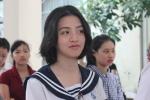 Nữ sinh rạng ngời trong kỳ thi đại học đầu tiên năm 2016