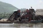 Tạm đình chỉ công ty khai thác cát, sỏi lòng sông Bứa