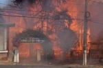 Hỏa hoạn thiêu rụi phòng giáo dục huyện