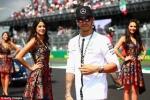 Lewis Hamilton ăn mừng cùng dàn mỹ nữ xinh đẹp