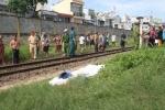 Đi bộ trên đường sắt, một phụ nữ bị tàu cán chết