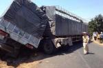 Kinh hoàng hai xe tải đối đầu, tài xế chết kẹt trong cabin