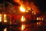 Cháy lớn ở Hà Nội, cả gia đình nhảy lầu thoát thân
