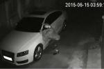 Video: Đạo chích bẻ trộm gương xe Audi trong đêm