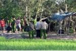 Vết bùn tố hung thủ vụ người phụ nữ lõa thể chết dưới ruộng