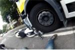 Clip: 'Quái vật' Ducati Monster hơn 6.000 USD bị xe tải nghiền nát