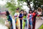 NTK Minh Hạnh ra mắt bộ sưu tập áo dài độc đáo mang tên 'Kremlin Hà Nội'