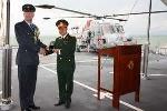 Lễ tốt nghiệp đặc biệt trên chiến hạm Anh tại Đà Nẵng