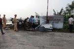 Xe tải bị tàu hoả đâm, nghi nhân viên không hạ thanh chắn tàu